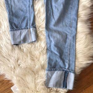 Old Navy Jeans - OLD NAVY  | Capri light wash jeans size 0